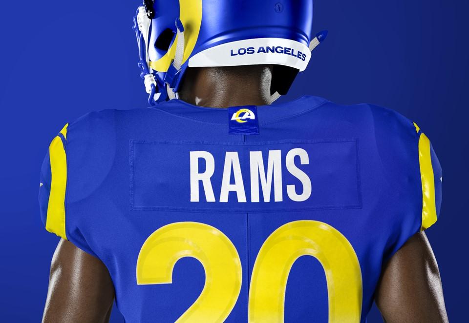 ラムズが新ユニフォームを発表!あのチームに似てる気が・・・。